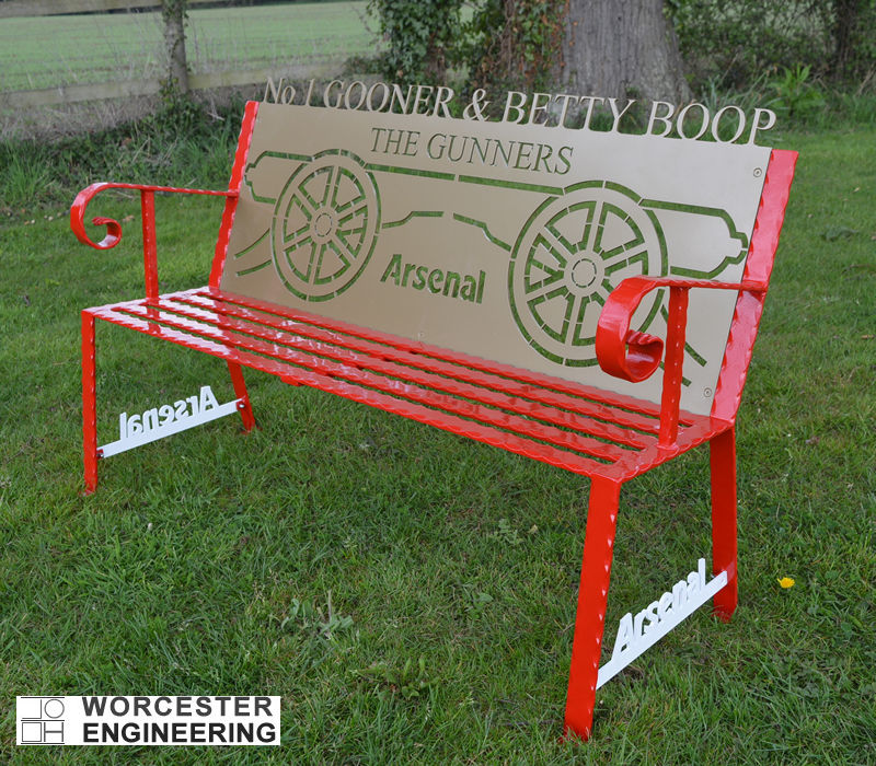ARSENAL THEMED GARDEN BENCH